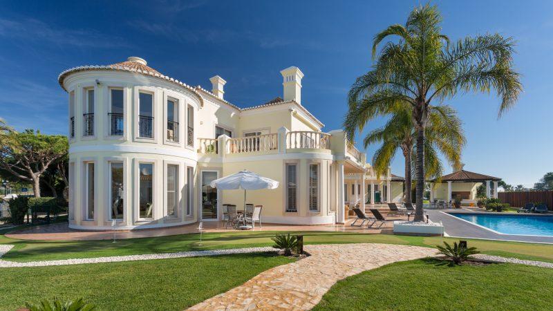 Villa Ahuru