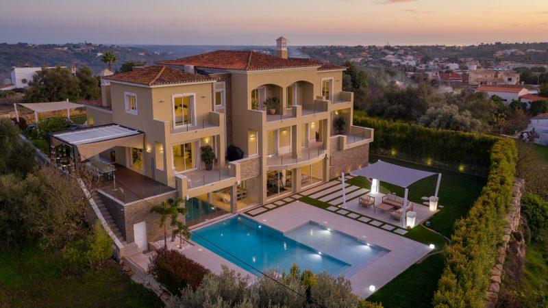 Villa Peregrine