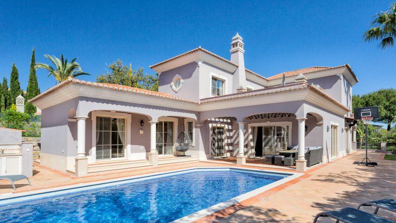 Villa Riley
